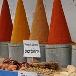 Especias en mercado de Marruecos.